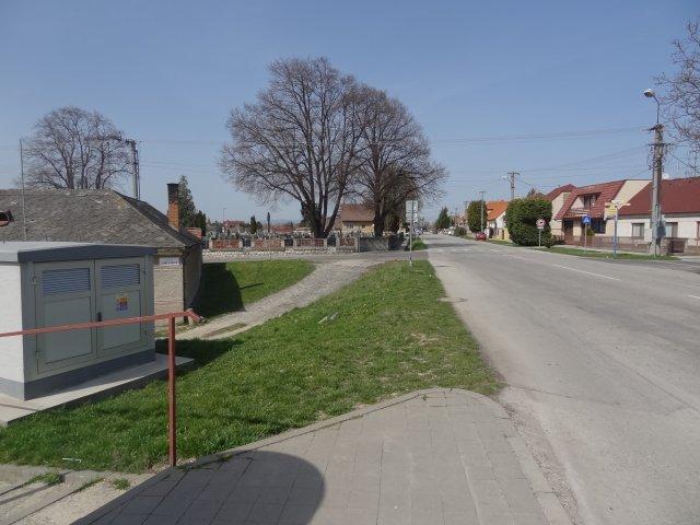HUMANIZÁCIA CENTRUM MODRANKY I. - okolie cintorína