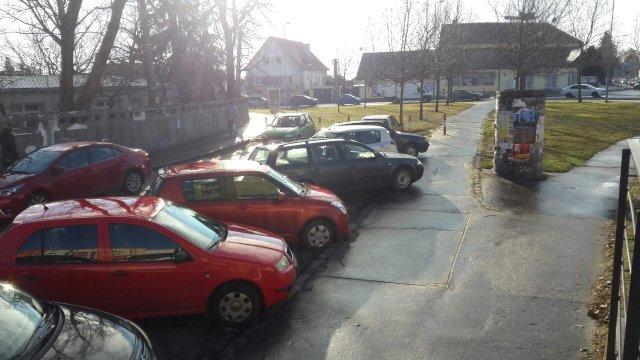 Parkovanie pri nemocnici